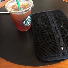 Photo taken at Starbucks Coffee ひたち野うしく店 by Kt S. on 5/23/2015