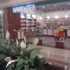 Photo taken at DAVIDsTEA by Don P. on 6/28/2013