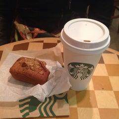 Photo taken at Starbucks by Tarson G. on 3/4/2014