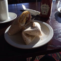 Photo taken at The Gary Cooper (Wetherspoon) by Jez P. on 12/29/2013