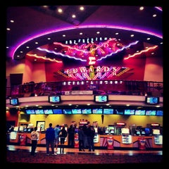 Photo taken at Edwards Long Beach  26 & IMAX by Dean B. on 2/21/2013