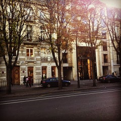 Photo taken at Avenue Montaigne by Hans B. on 11/5/2012