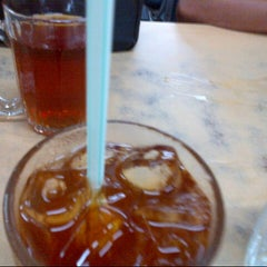 Photo taken at Restoran Firdouse by Shahriezan Ben GerMock on 2/28/2014
