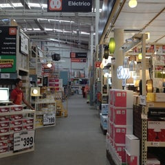 Photo taken at The Home Depot by Changungo on 11/20/2012