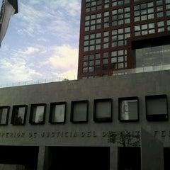 Photo taken at Tribunal Superior de Justicia del Distrito Federal - Juzgados de lo Familiar by Jose Luis M. on 10/29/2012