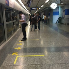 Photo taken at MRT สีลม (Si Lom) SIL by likeweed on 3/15/2013