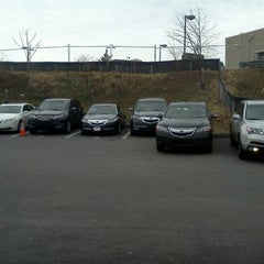 Photo taken at Frankel Acura by Miquel R. on 12/31/2012