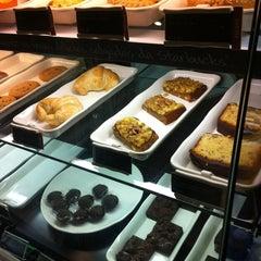 Photo taken at Starbucks by Felipe G. on 12/24/2012
