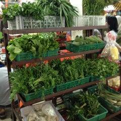 Photo taken at Pasar Besar Awam TTDI by Farha N. on 1/18/2013