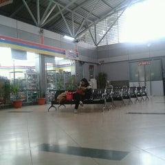 Photo taken at Stasiun Sudirman by Zulfan on 12/18/2012