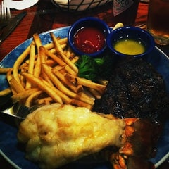 Photo taken at Red Lobster by Sophie L. on 3/11/2012