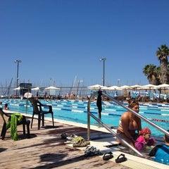 Photo taken at Gordon Swimming Pool by Yehuda udi A. on 9/1/2012