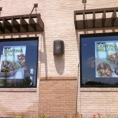 Photo taken at Taco Bell by Scott S. on 7/7/2012