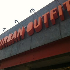 Photo taken at Urban Outfitters by Drew G. on 5/28/2012