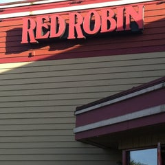 Photo taken at Red Robin Gourmet Burgers by Courtney B. on 4/15/2012