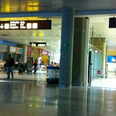 Photo taken at Terminal 2 by MARIA CLAUDIA F. on 3/4/2012