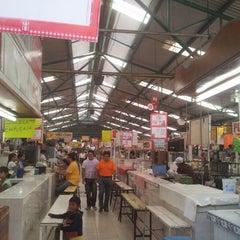 Photo taken at Mercado de Atlixco by Alehanndro T. on 8/16/2012