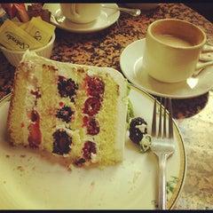 Photo taken at Sweet Lady Jane by Ricardo P. on 3/10/2012
