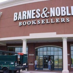Photo taken at Barnes & Noble by tricia c. on 3/30/2012