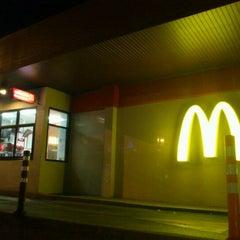 Photo taken at McDonald's (แมคโดนัลด์) by TK on 2/5/2012