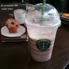 Photo taken at Starbucks by Norberto G. on 8/7/2011