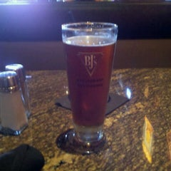 Photo taken at BJ's Restaurant and Brewhouse by Lee T. on 5/28/2011