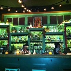 Photo taken at Las Perlas by Pepito on 8/31/2011