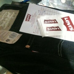 Photo taken at Levi's ® Boutique by Niel on 8/16/2012