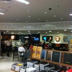 Photo taken at Saraiva MegaStore by Gilvan M. on 12/17/2011