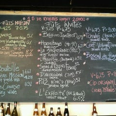 Photo taken at Broue Pub Brouhaha by Darcy on 9/25/2011