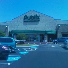 Photo taken at Publix by Peter B. on 8/26/2011