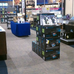 Photo taken at Best Buy by Super W. on 9/20/2011