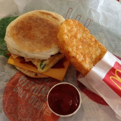 Photo taken at McDonald's by Miguel S. on 8/4/2012