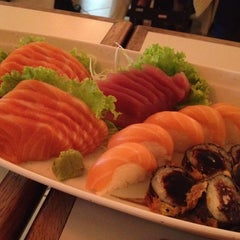Photo taken at Hiro Sushi by Aline Beatrice on 1/4/2012