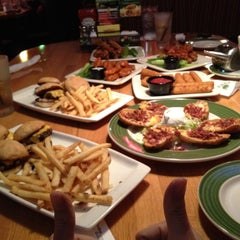 Photo taken at Applebee's by Marclin A. on 2/29/2012