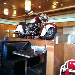 Photo taken at Ruby's Diner by Lena W. on 4/23/2011