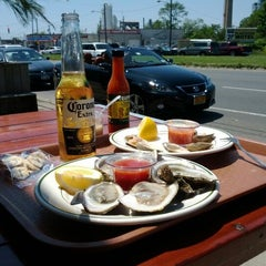 Photo taken at Peter's Clam Bar & Seafood Restaurant by James P. on 5/19/2012