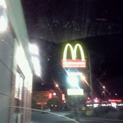 Photo taken at McDonald's by ♊ David Da D. on 8/23/2011