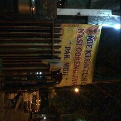 """Photo taken at Mie Kluntung/Nasi Goreng Jawa """"Pak Muji"""" by Bagio W. on 7/31/2012"""