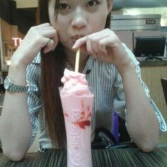 Photo taken at Taste of Hong Kong Café by Ernie E. on 9/18/2011