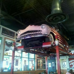 Photo taken at Quaker Steak & Lube® by Justin R. on 10/29/2011