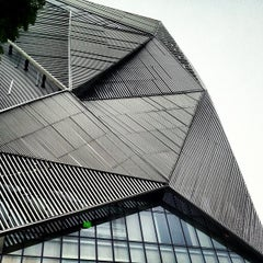 Photo taken at Orchard Central by Poovan D. on 8/13/2012