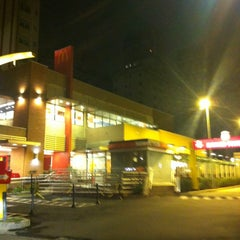 Photo taken at McDonald's by Jeferson G. on 4/28/2012