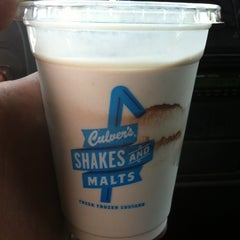 Photo taken at Culver's by Daxs B. on 4/5/2012