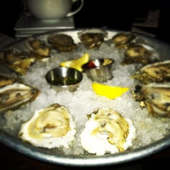 Photo taken at Pearlz Oyster Bar by Mark E. on 2/4/2012