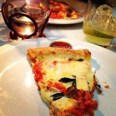 Photo taken at Pizzaria Speranza by Peterson V. on 6/17/2012