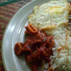 Photo taken at Restoran Baloh by Rozana R. on 1/18/2012