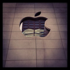 Photo taken at Apple Store, North Michigan Avenue by Cristian S. on 5/24/2012
