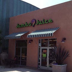 Photo taken at Jamba Juice by Edgar d. on 3/30/2012