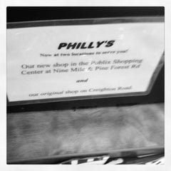 Photo taken at Philly's Cheesesteaks by 👷 Dr Hoolin 🚑 on 9/9/2012